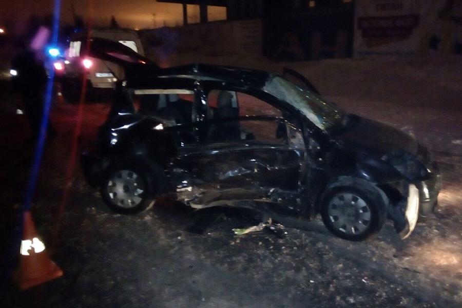 Лобовое ДТП вМинском районе: погибла женщина, шофёр вбольнице