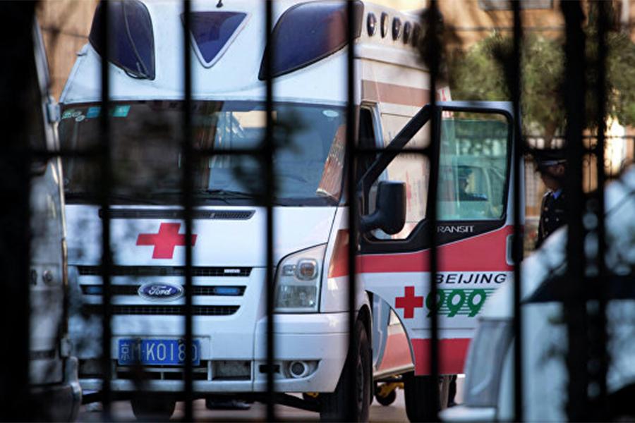 Фургон наполной скорости врезался в дом вКитайской народной республике