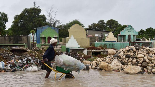 Число погибших урагана «Мэтью» наГаити превысило 470