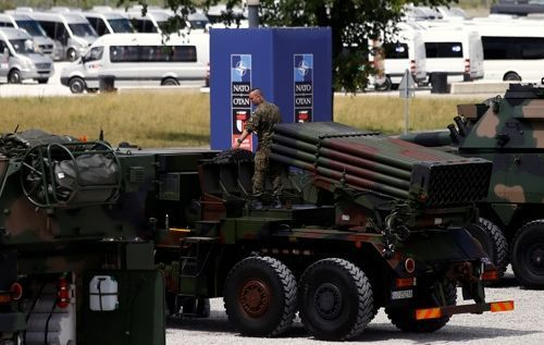 Столтенберг: НАТО согласовывает места дислокации батальонов вВосточной Европе