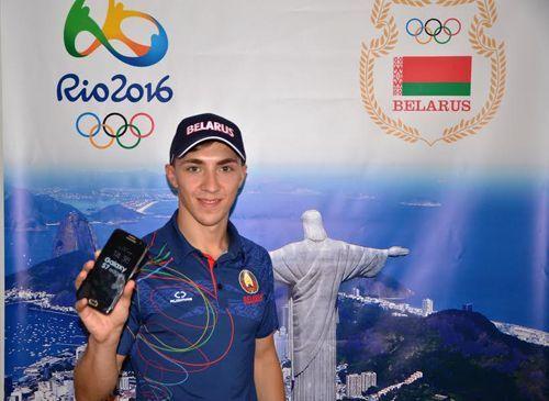 Олимпийский чемпион Гончаров выставит собственный  телефон наблаготворительный аукцион
