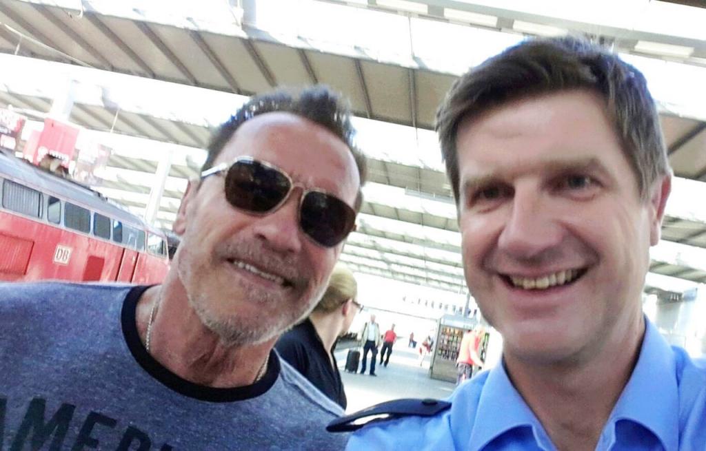 Мюнхенская милиция задержала Арнольда Шварценеггера заезду повокзалу навелосипеде