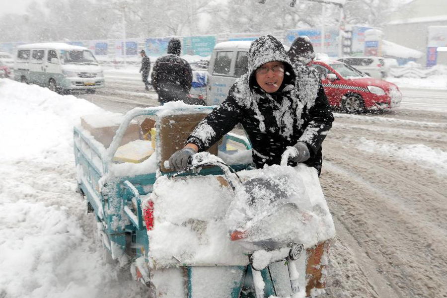 Насевере Китая из-за сильного снегопада пострадали 50 000 человек