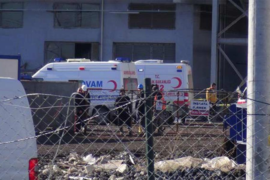 При взрыве назаводе Турции умер один человек, 15 ранены