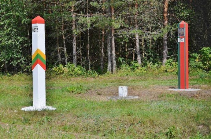 Награнице Литвы и Беларуссии собралось 350 авто