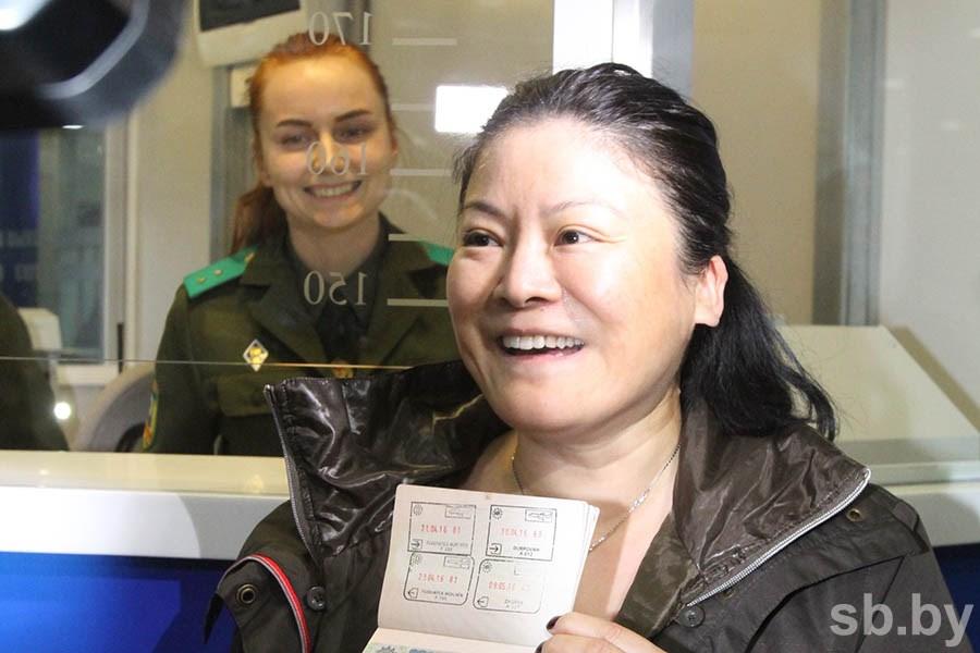 Первые туристы без виз прибыли в Беларусь