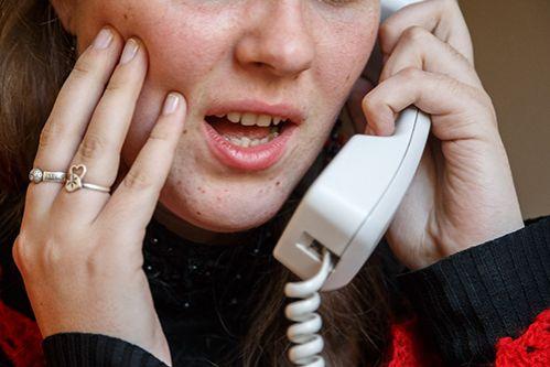 Пенсионерка за один звонок на инфолинию заплатила 425 тыс.