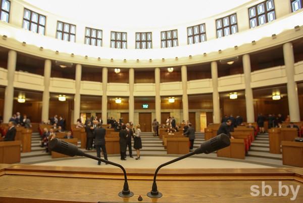 Щеткина: вопрос осокращении декретного отпуска вРеспублике Беларусь нестоит