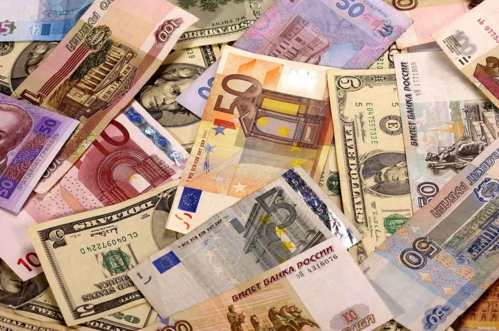 19 ноября выросли курсы евро и российского рубля