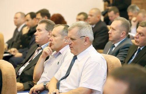 Лукашенко ездит порегионам ипроверяет, как выполняются его поручения