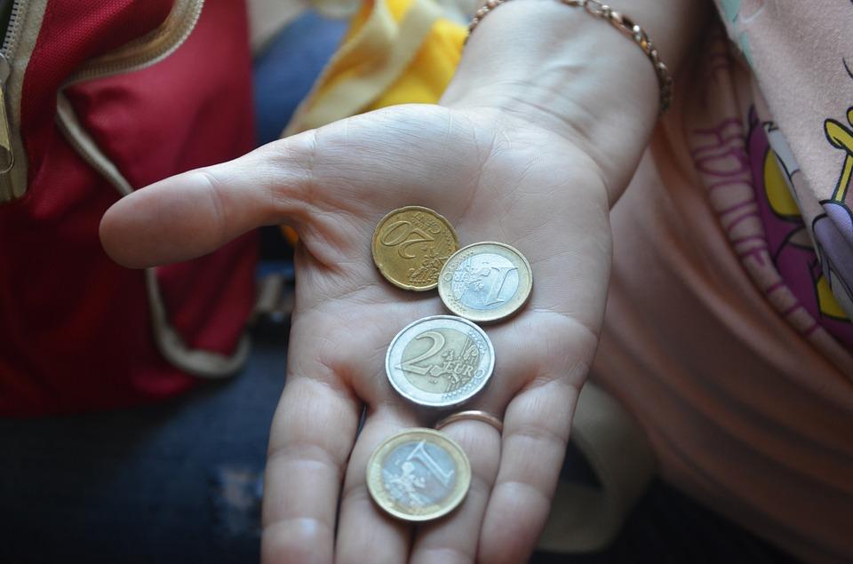 Наторгах 4октября курс русского рубля продолжил расти