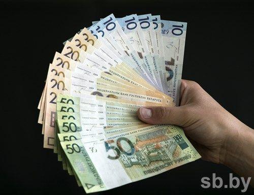 Номинальная заработная плата белорусов загод подросла на5,8%