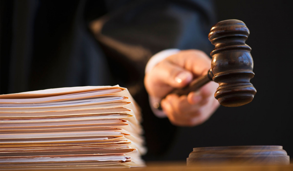 ВБресте 16-летняя школьница через суд выселила мать издома