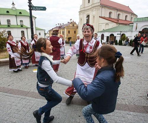 Данные Белстата: до «президентских» 20 млн белорусов не хватает половины