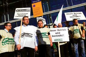 Members of the GDL labour union picket in Berlin