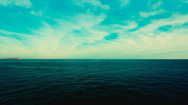 Неменее 21 человек умер в итоге крушения судна вИндонезии