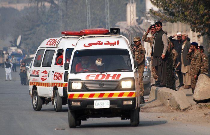 Поменьшей мере 10 человек погибли при пожаре впакистанском Карачи