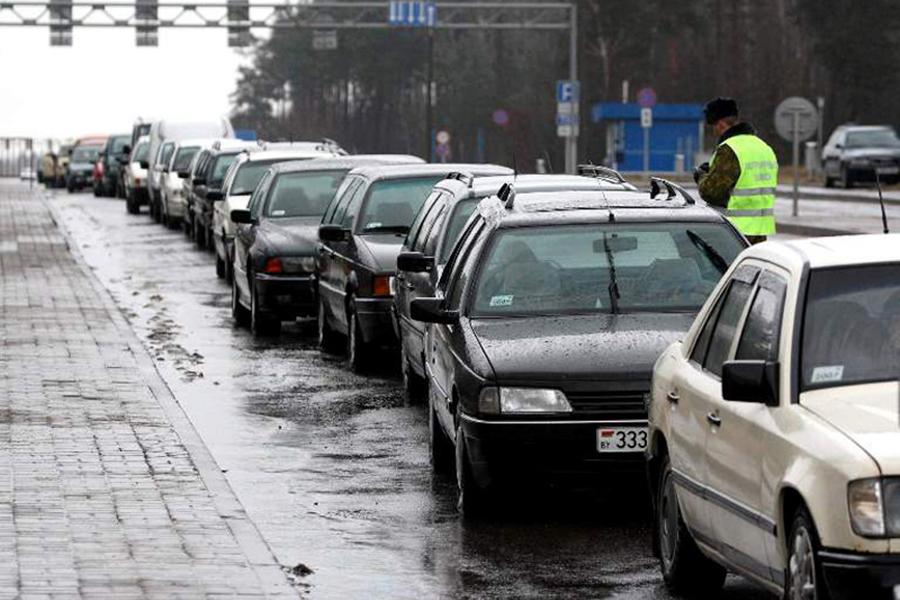 Вочередях награнице сПольшей простаивает неменее 1,3 тыс. авто