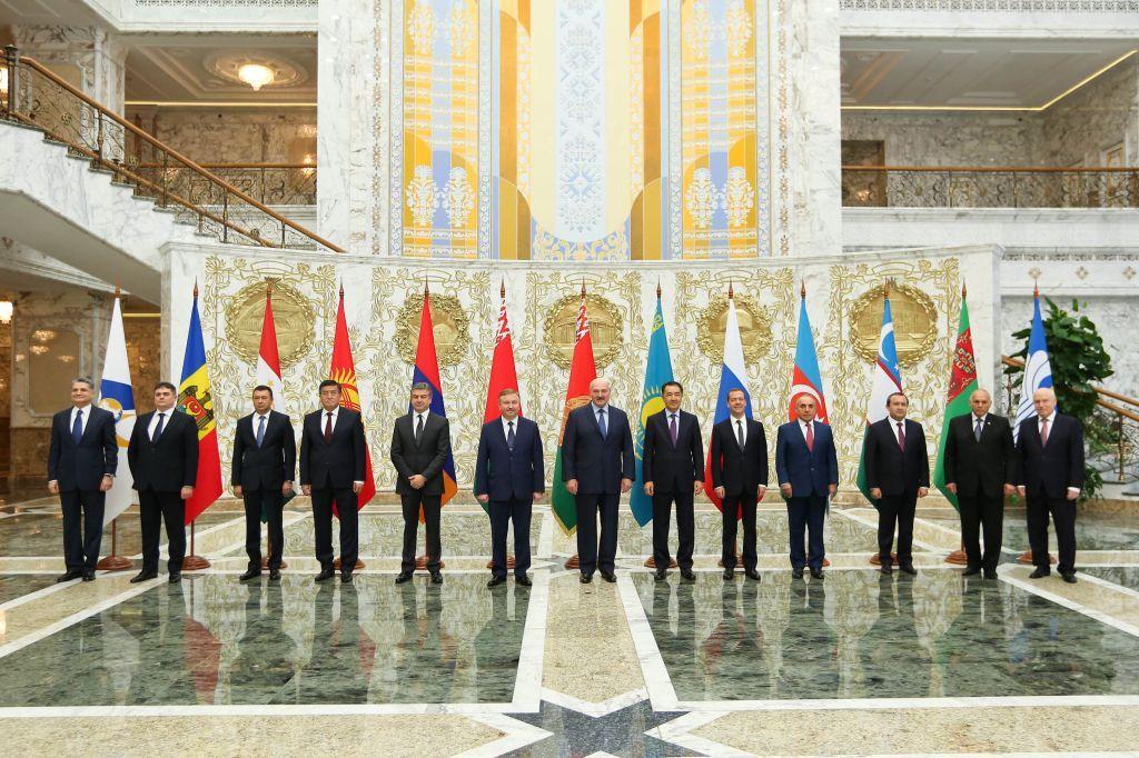 Беларусь неустраивают отдаленные сроки создания общих рынков энергоносителей вЕАЭС— Лукашенко