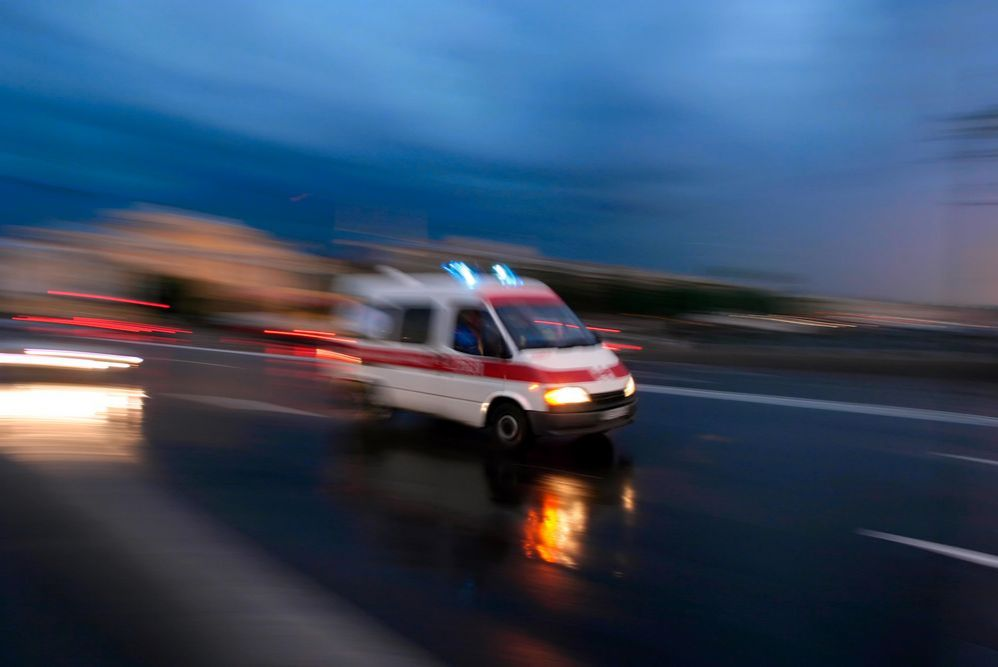 Фургон сбил скутер вБобруйском районе: умер пассажир