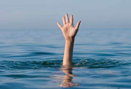 Опрокинулась лодка: вЛогойском районе утонули девочка ипенсионер, ребенка удалось спасти