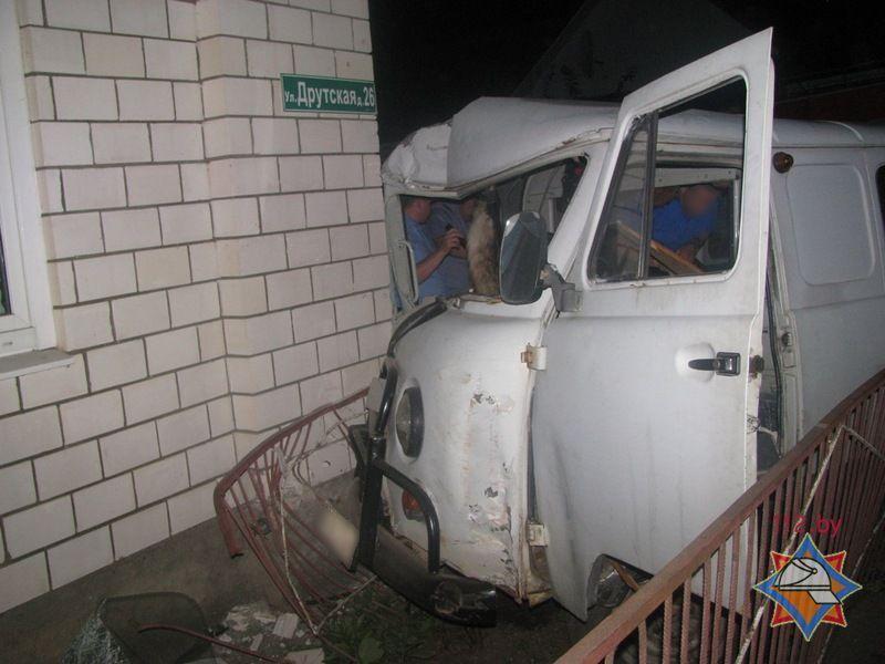 ВРогачеве автомобиль «УАЗ» въехал в дом