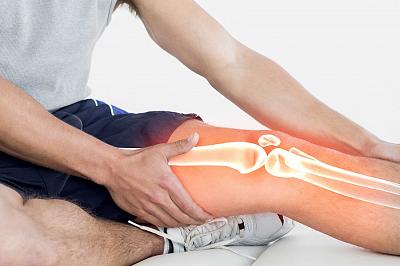 Трещат суставы колени