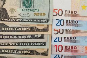 На торгах 04 августа гринбек подешевел, а евро да расейский юкс подорожали