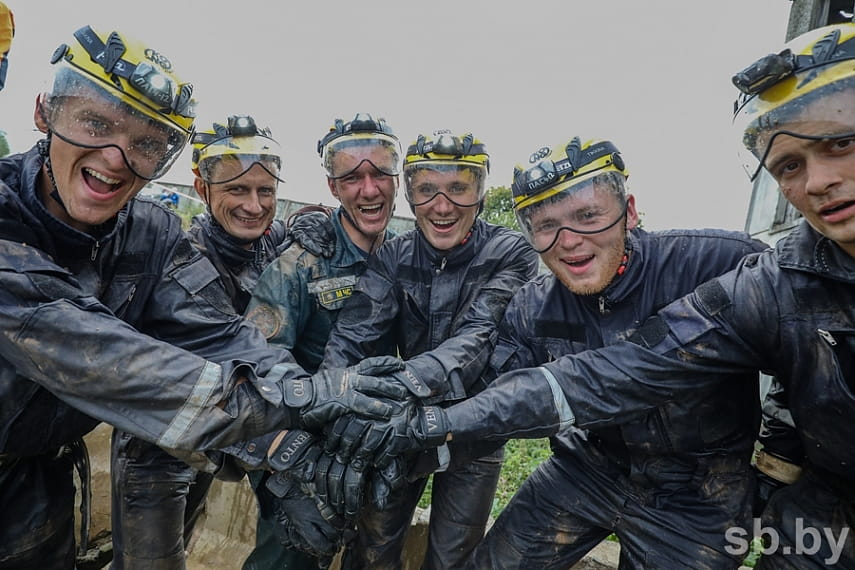 Как проходят соревнования по многоборью спасателей под Борисовом 13