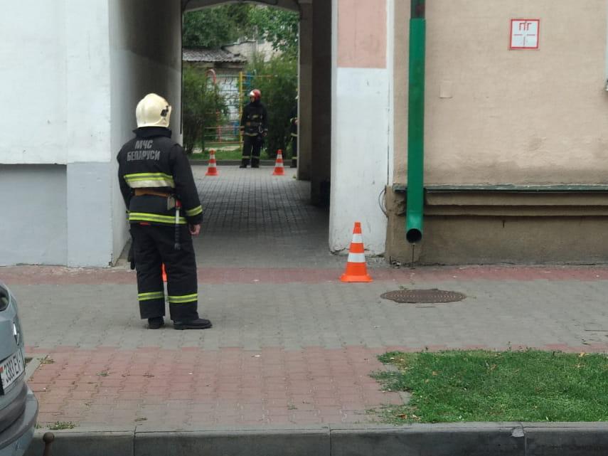 В Бресте из-за пакета с пустыми бутылками эвакуировали жилой дом