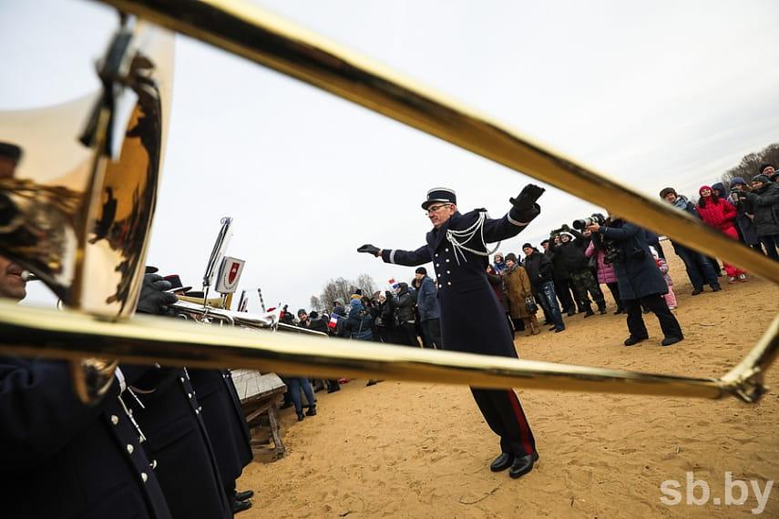 Парад униформистов и заплыв на Березине. Подборка лучших фото с фестиваля к годовщине войны 1812 года 13