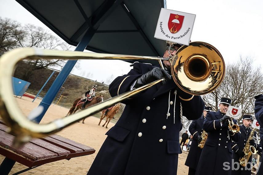 Парад униформистов и заплыв на Березине. Подборка лучших фото с фестиваля к годовщине войны 1812 года 16