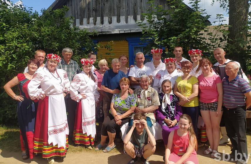 В Ляховичском районе в малые деревни все чаще приходит праздник