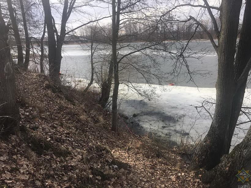 Хотел перейти реку по льду