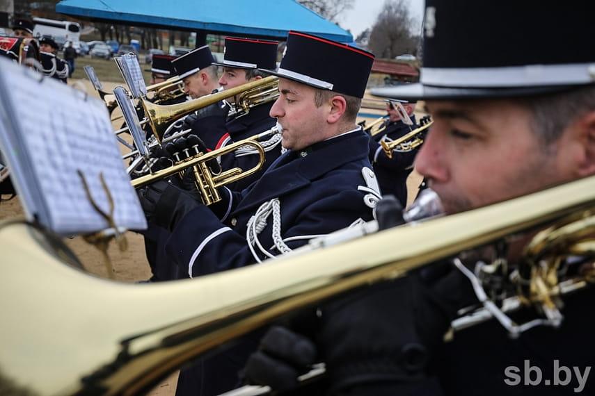 Парад униформистов и заплыв на Березине. Подборка лучших фото с фестиваля к годовщине войны 1812 года 23