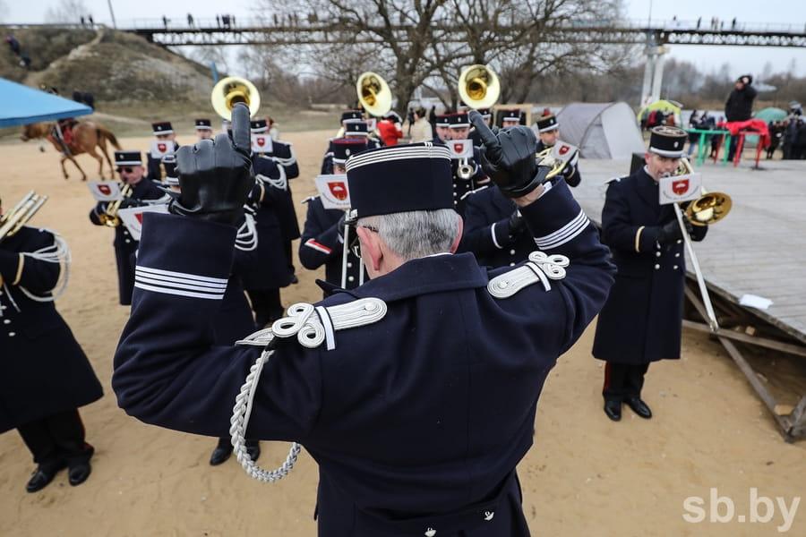 Парад униформистов и заплыв на Березине. Подборка лучших фото с фестиваля к годовщине войны 1812 года 20