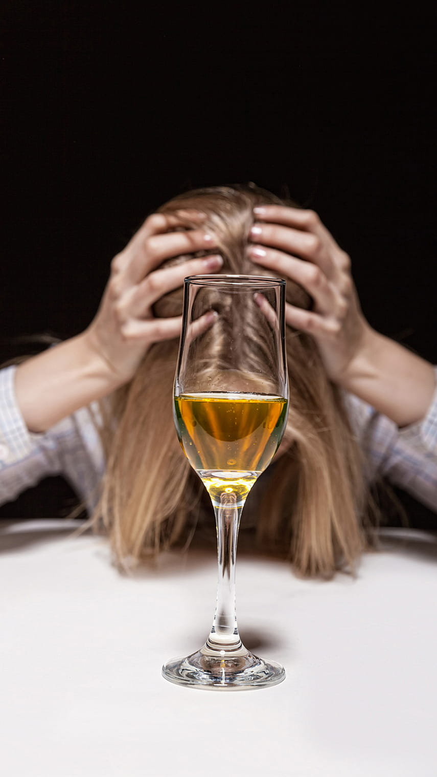Кто и как вылечил от алкоголизма женщину