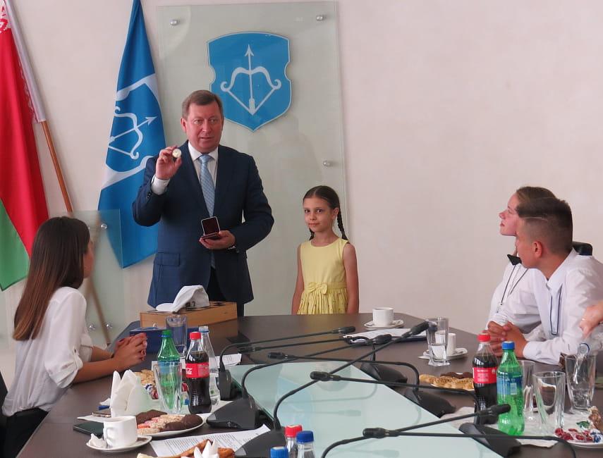 Мэр Бреста Александр Рогачук встретился с талантливыми ребятами