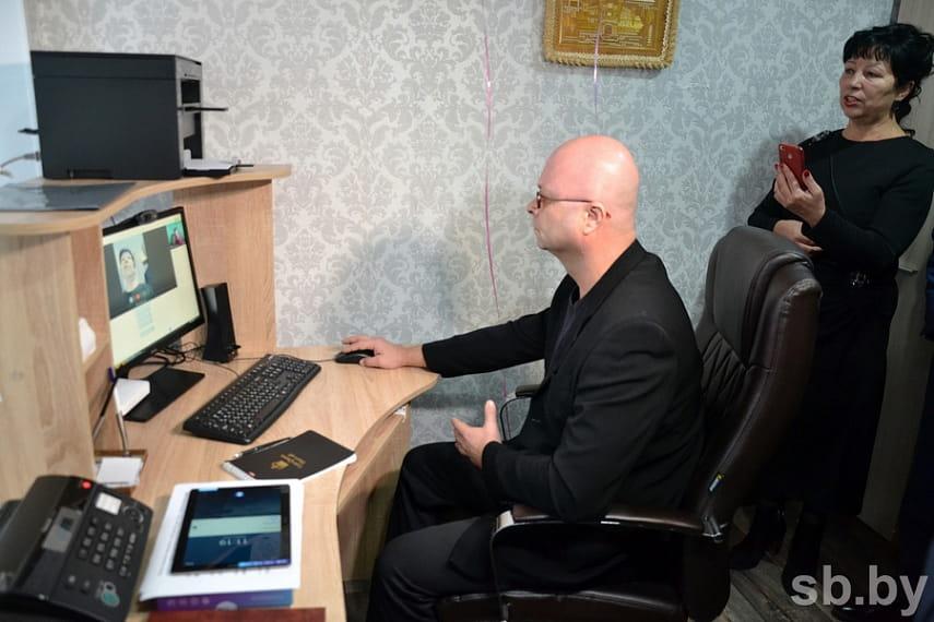В Бресте открылся центр приема информации от людей с ослабленным слухом