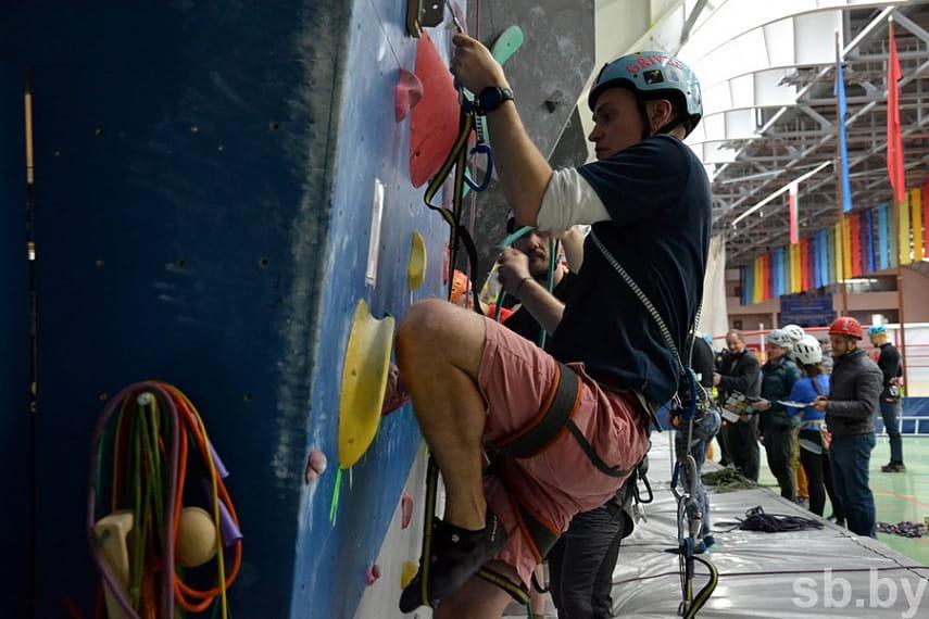 Республиканские соревнования по альпинизму проходят в Бресте
